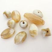 10 Perle miste acrilico panna/caramello