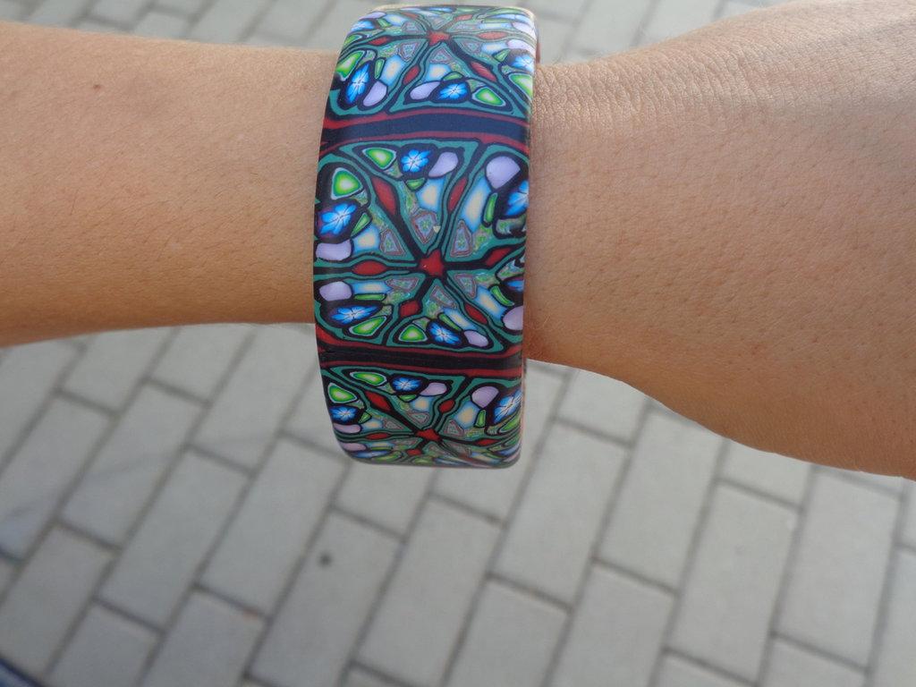 Bracciale rigido in pasta polimerica multicolor