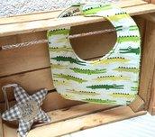 Bavaglino bianco con coccodrilli verdi