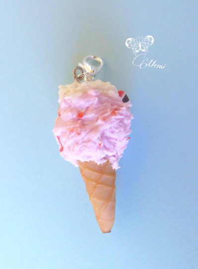 Charm cono gelato fragola e panna - handmade strawberry and cream ice-cream charm