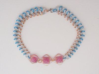 collana con trio formelline rosa