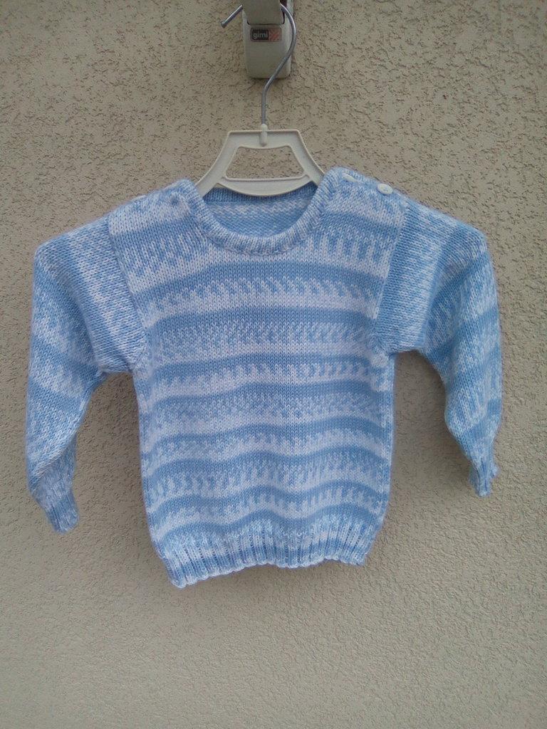 Maglia a maniche lunghe azzurra,bianca  per neonato