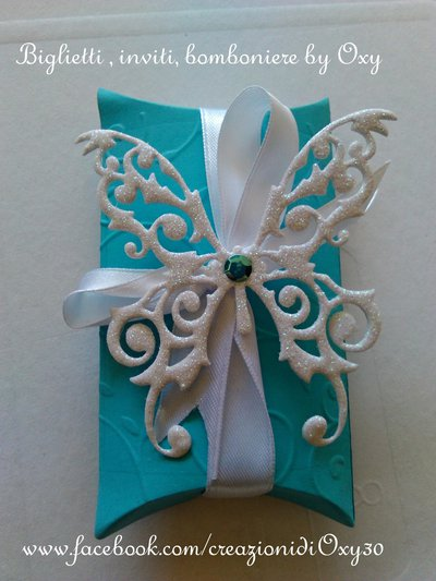 Bomboniera (Pillow box) color Tiffany ( verde acqua) adatta al Matrimonio, Comunione, Battesimo.