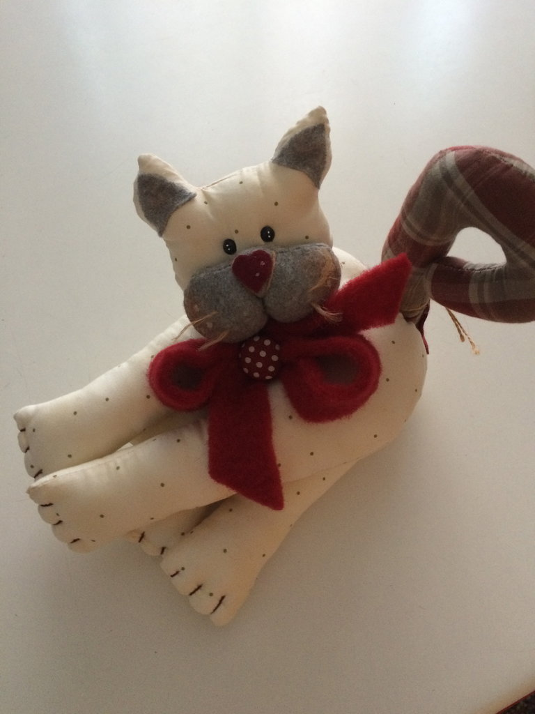 grazioso decoro gattino sdraiato,idea regalo