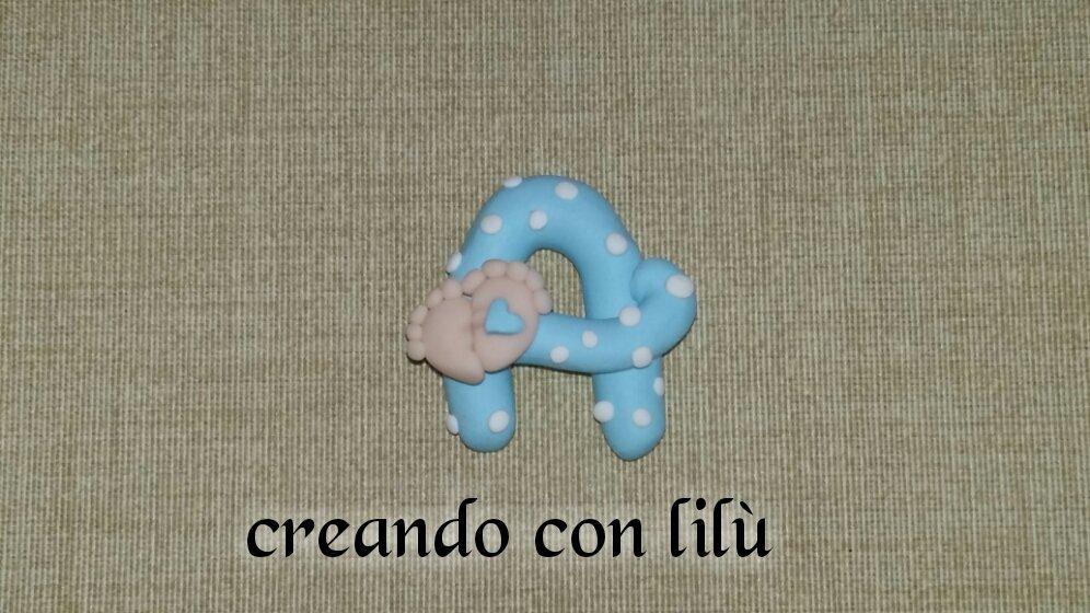 magnete o ciondolo in fimo iniziale nome con piedini