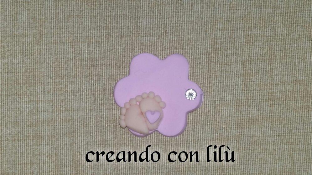 magnete o ciondolo in fimo targhetta con piedini nascita battesimo fimo