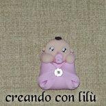 magnete o ciondolo in fimo bebè con copertina