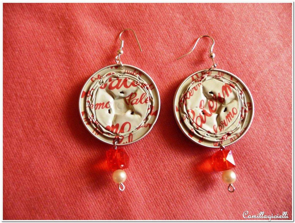 Orecchini perla bianca e strass rosso