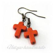 Orecchini  con croce arancione pendente