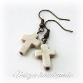 Orecchini  con croce bianco avorio pendente