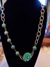 Collana con inserti in perle