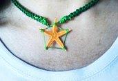 Collana girocollo in stile mare arancione e verde bottiglia lavorata all'uncinetto con stella marina