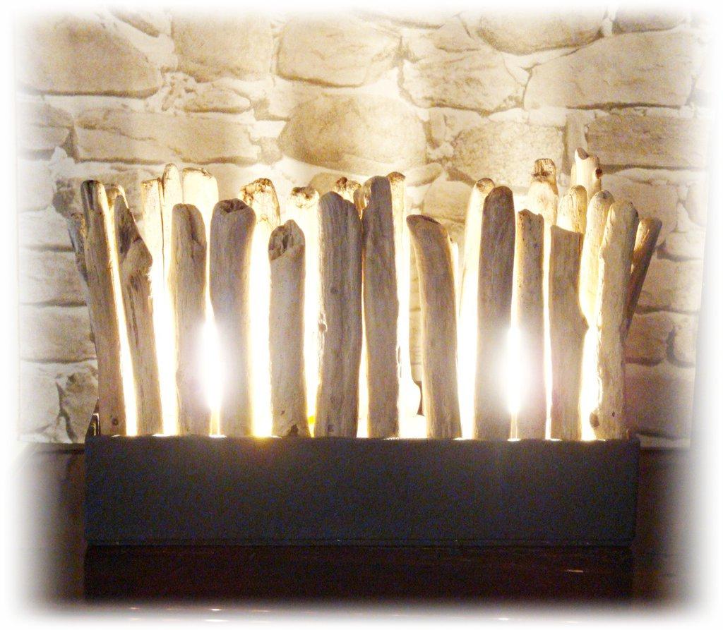 BRIQUE luce con legni di mare