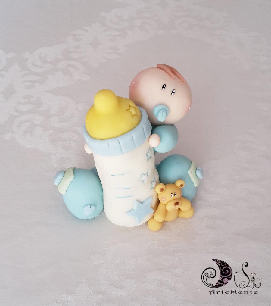 Cake topper bebè con biberon e orsetto