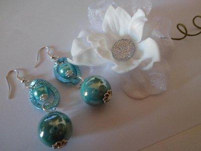 Orecchini pendenti con perle e sfere tiffany
