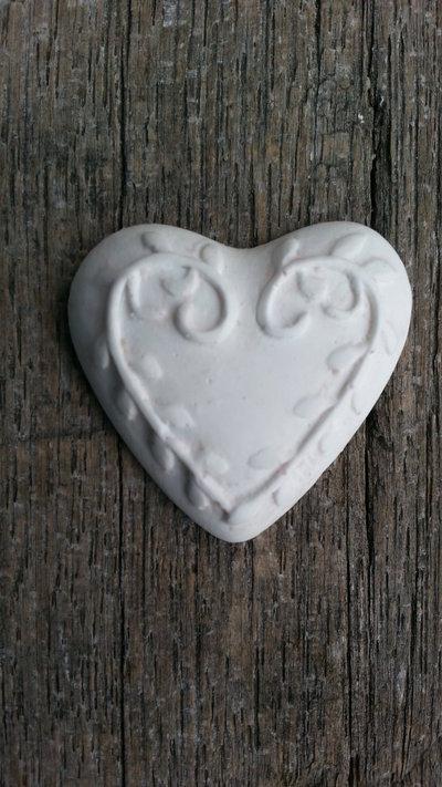 Gessetto profumato  cuore lavorato  3,5x3,5 cm 24 pezzi  bomboniere, nascita,matrimonio, casa,battesimo