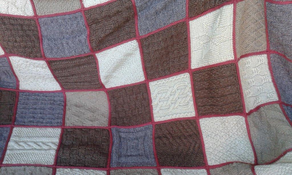 coperta crochet lana nuova fatta a mano 4 ( su ordinazione)