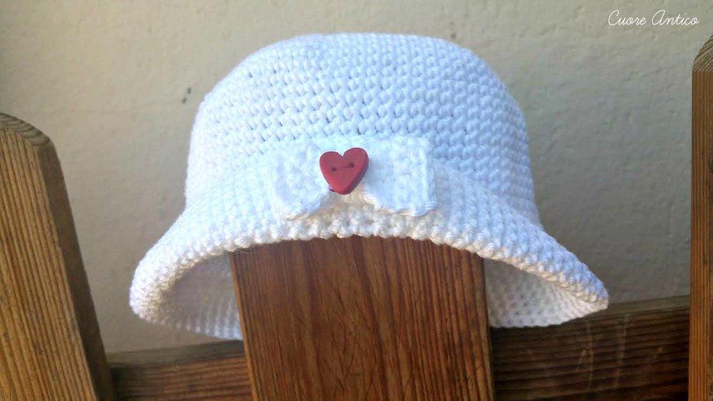 Cappellino baby  girl bianco