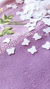 1000 Coriandoli bianchi a forma di farfalla (1,1cm×1,1cm)