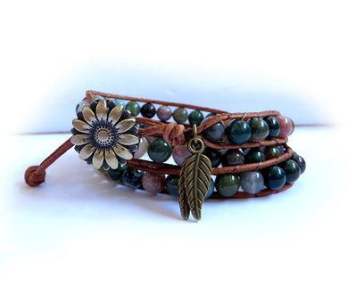 Bracciale stile Chan Luu artigianale a 3 giri in con perle in agata e cuoio