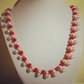 Girocollo perle di fiume e cristalli color corallo