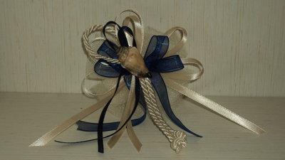 segnaposto papillon in tulle tema mare con 5 confetti