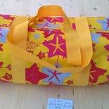 borsa zuccotto fantasia di stelle colore giallo