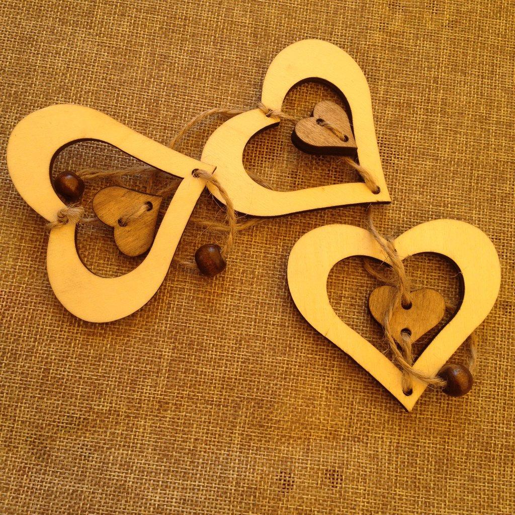 cuori in legno per decorazioni in stile shabby chic