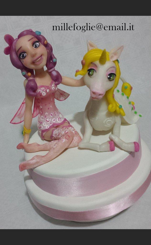Cake topper ispirata a Mia e Onchao