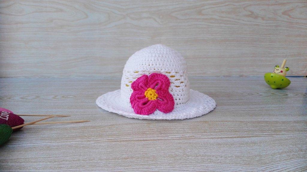 Cappellino estivo uncinetto per bimba o neonata