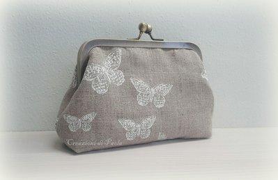 Borsellino in lino con farfalle