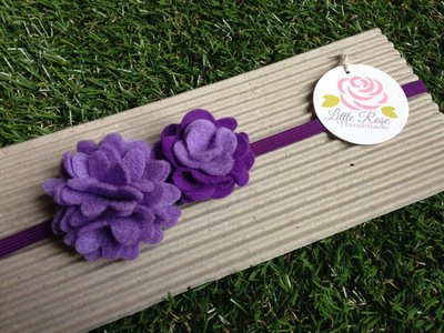 Fascia elastica a pom pom in tono viola by Little Rose Handmade