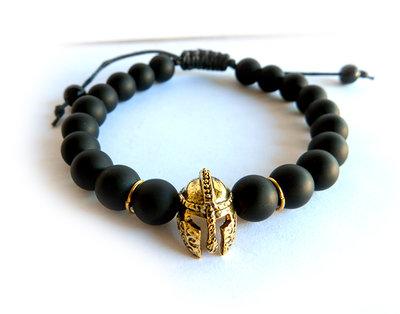 Bracciale da UOMO nero con ELMO da gladiatore romano in oro perle agata opaca NERO