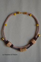 Collana colore beige/marrone e ceramiche