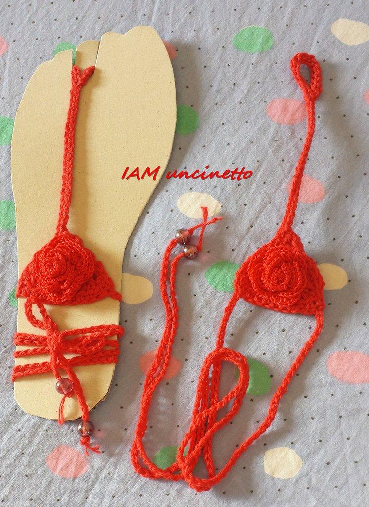 Sandalo donna in cotone rosso all'uncinetto