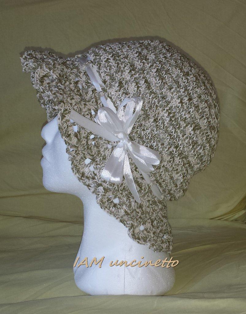 Cappello donna in cotone ingabbiato beige verde oliva all'uncinetto