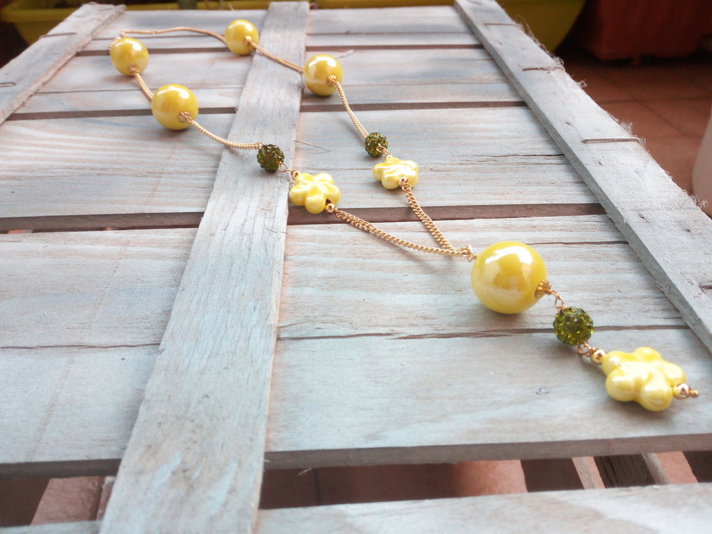 Collana lunga gialla