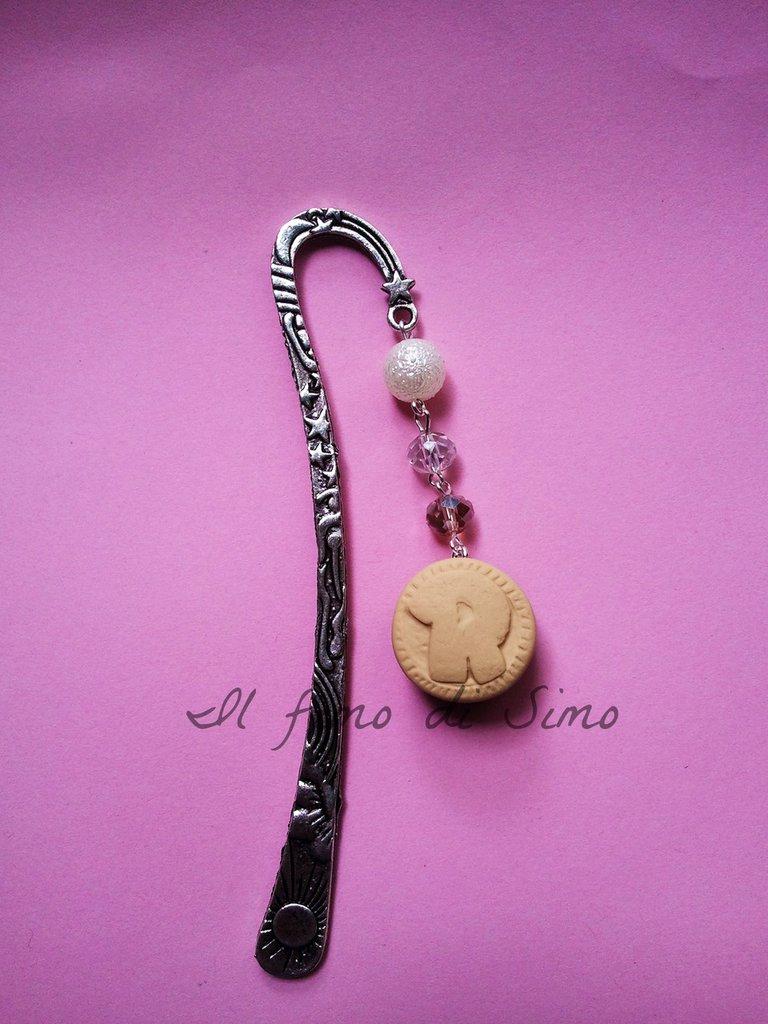 segnalibro in metallo con biscotto ringo in pasta polimerica
