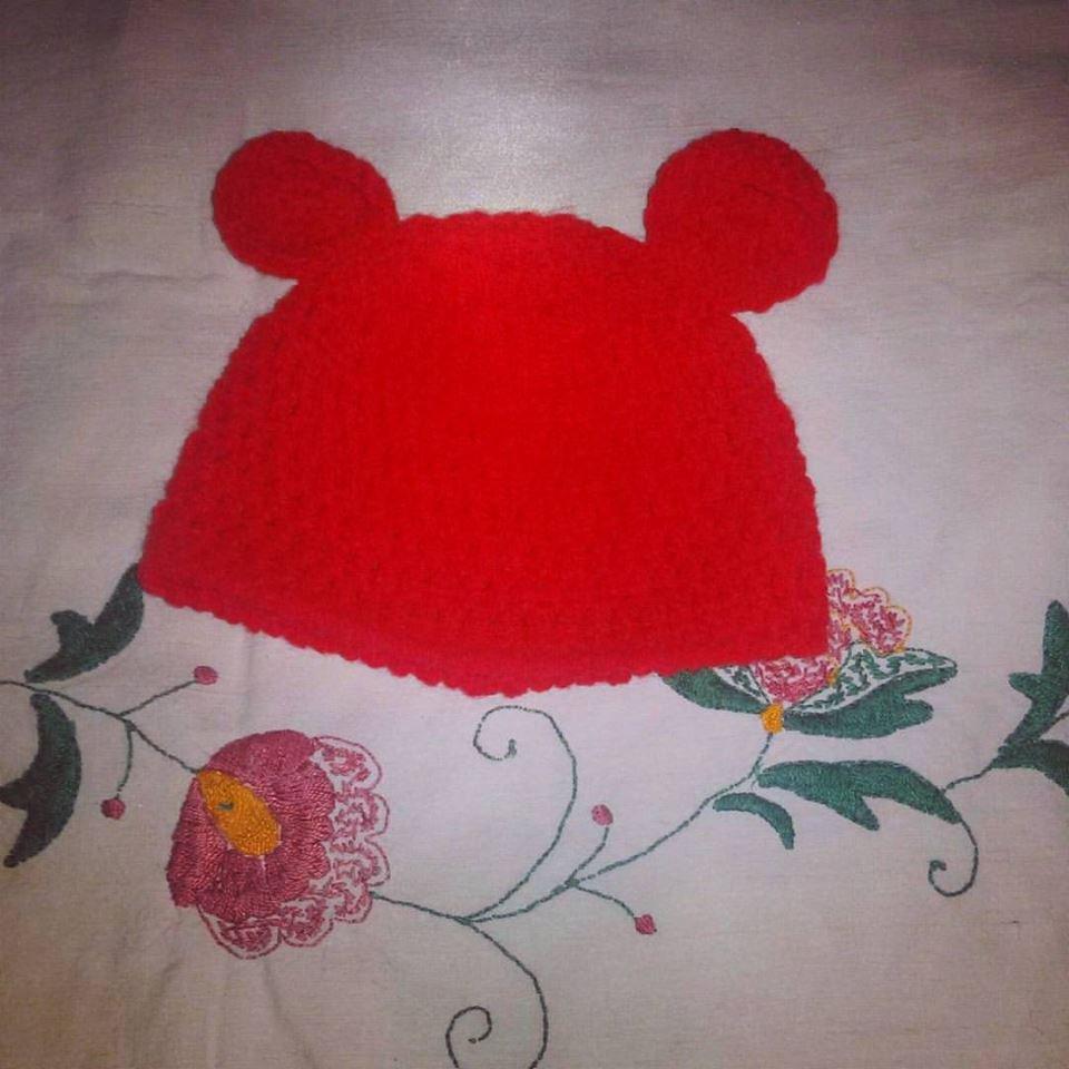 Cappellino rosso neonato in lana