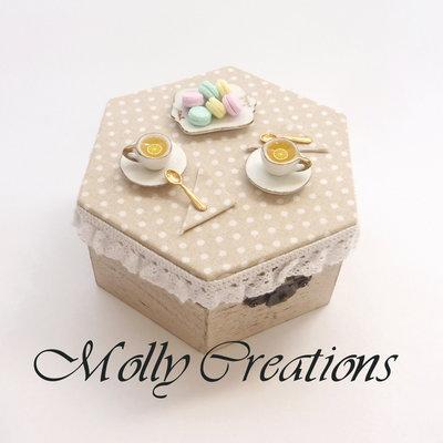 Scatola Portagioie decorata con miniature in Fimo