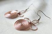 Earring Wire Wrap Rose Gold / Orecchini fatta a mano in filo di alluminio in colore Rosa