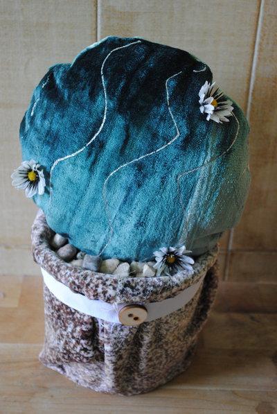 cactus palla con margherita