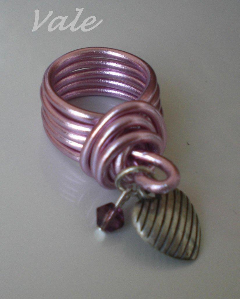 anello rosa charms