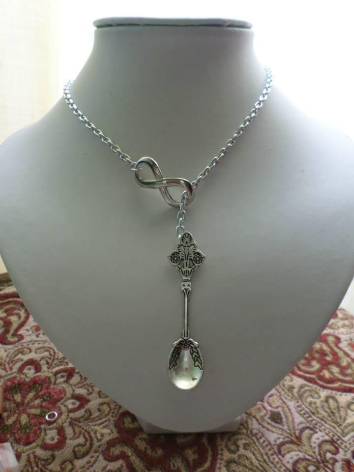 collana donna fatta a mano con infinito e cucchiaio magico tono argento