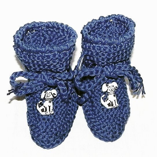 Scarpette bimbi realizzate ad uncinetto in lana BLU con dalmata