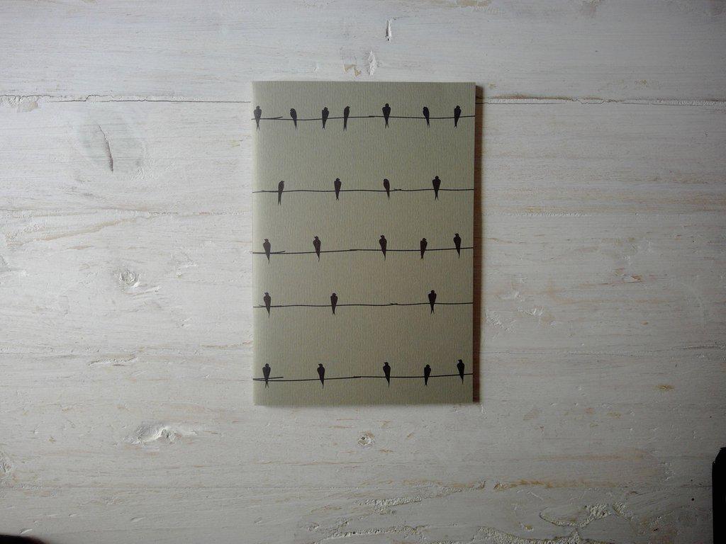 """Quaderno 7Nodi """"Rondini"""" in bianco e nero."""