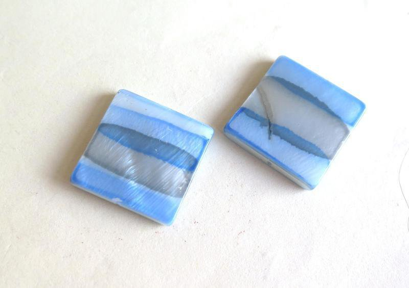 2 Perle quadrate in madreperla PRL108