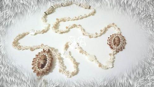Collana lunga con perlone di vetro