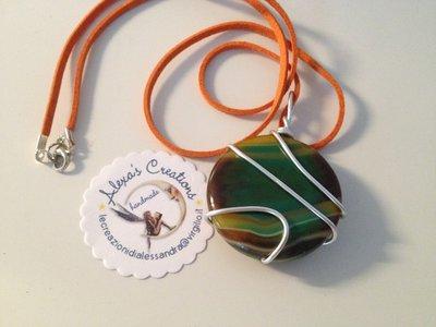 Collana  con Ciondolo wire in pietra naturale verde sfumato arancio