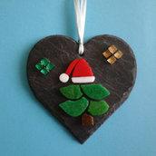 Mosaico albero di natale  su cuore in ardesia naturale